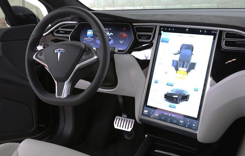 Новые режимы безопасности Dog и Sentry в Tesla